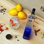 Blue-Ribbon-London-Dry-Gin-700-ml-0-3